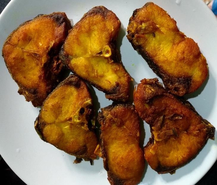 How to cook katla macher jhol