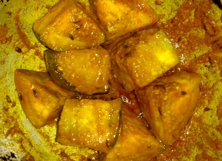 how to make doi begun diye macher kalia/fish curry