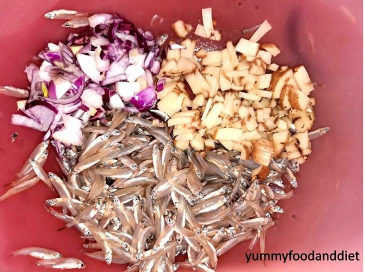 How to make mouth-watering kachki macher chochchori